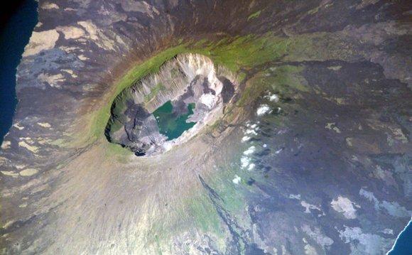 La Cumbre volcano, Fernandina