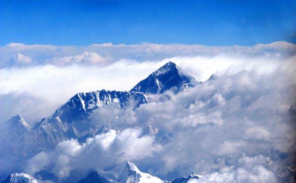 MOUNT EVEREST ( HIGHEST